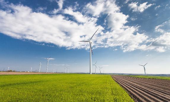 中西部特高压设施投运 清洁能源发展瓶颈解除