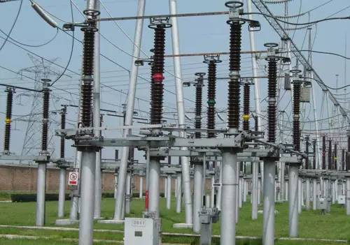 """风电场升压站电气设备的""""站位"""""""