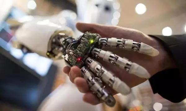 联想拼命布局人工智能领域,未来的巨头会是谁?