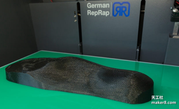 制鞋离不开鞋楦,德国鞋商Oberle用3D打印机在内部制造它