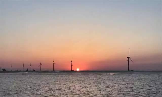 国内已建成的最大海上风电场鲁能东台项目顺利完成吊装
