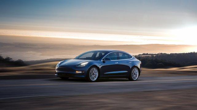 特斯拉Model 3驾驶初体验:它会改变一切