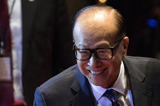 李嘉诚144亿港元出售香港固网业务 聚焦移动业务