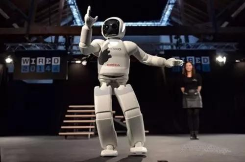 """人形机器人""""照进现实"""" 应用瓶颈有待突破"""