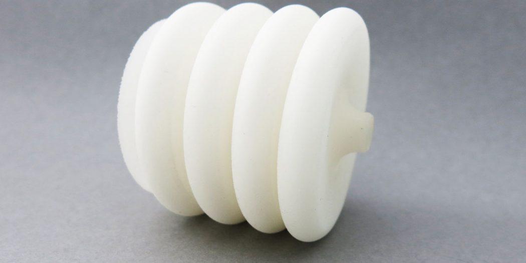 在惠普PA12材料冲击之后,Sculpteo现在为SLS提供新的PEBA柔性塑料材料