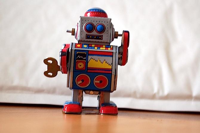 笨一点更好?研究:会犯错的机器人较讨人喜欢