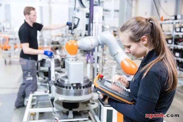 智能制造时代工业机器人的发展新趋势