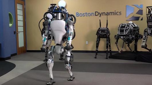 英媒:机器人终结人类工作的时代现还未到来