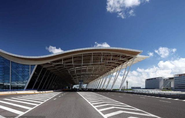 上海:江海+空铁 建设接轨国际规则的仓储物流新体系
