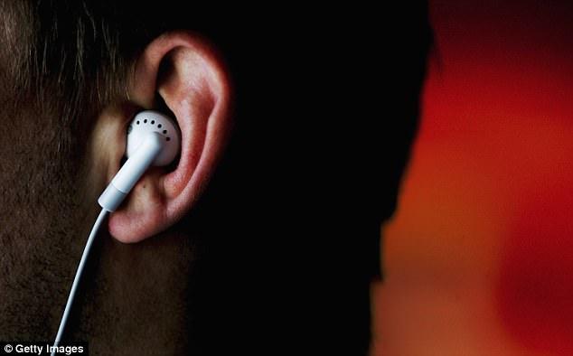 谷歌将发布内嵌AI助理版耳机 可回复语音指令