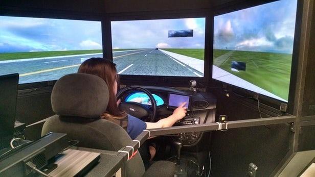 美政府研究人们驾驶走神时间 证明自动驾驶的必要性