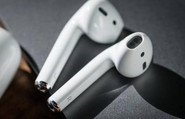 苹果AirPods推动无线耳机销量大增 占细分市场销售总额85%