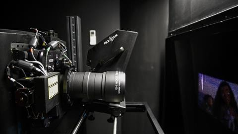 从激光到LED显示:影院显示技术的演变历程