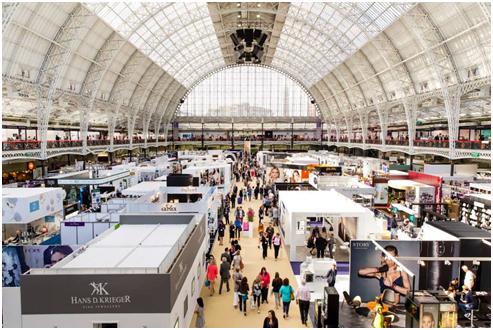 Uniz携SLASH参加2017伦敦国际珠宝展