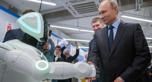 俄机器人逃跑走红 未来机器人能自己发电造娃吗?