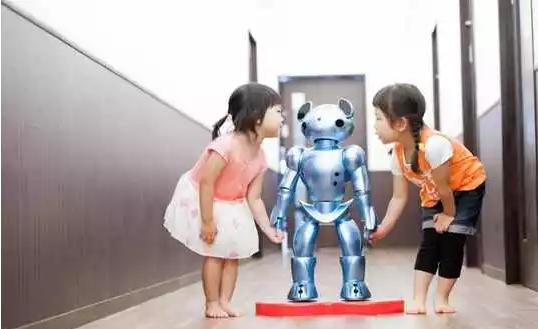 减轻老师负担 日本公司推出感应机器人