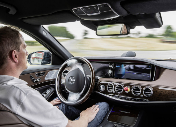 我国将制定自动驾驶上路测试规范 知情人士表示基本框架已成形