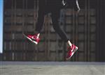 利用AR 耐克为消费者提供运动鞋设计效果