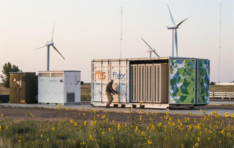 IRENA:到2030年储能电池成本降幅有望达66%