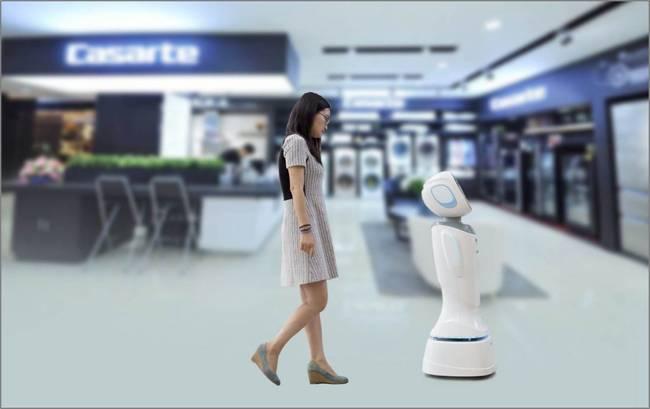 科沃斯与苏宁联合推出智慧零售机器人