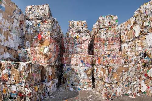 废纸涨价潮持续比废钢铁贵了一倍多 纸业巨头一个月两度提价