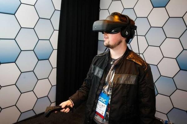 HTC被抛弃?LG将与Valve合作推出VR头盔