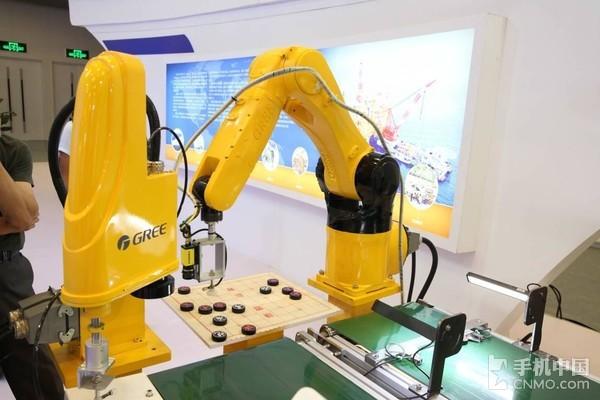 卖空调的格力卖起了机器人 这难道比手机赚钱?