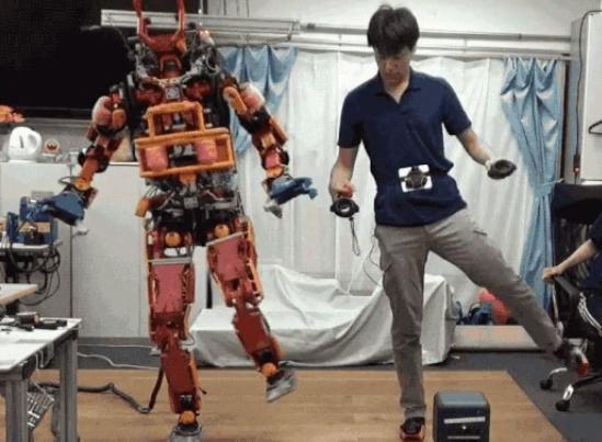 科学家使用HTC Vive控制器操作救援机器人