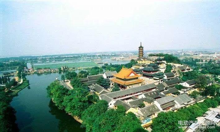 长江三角洲北翼中心,江苏省西南部,长江下游南岸,再次引起特别是新
