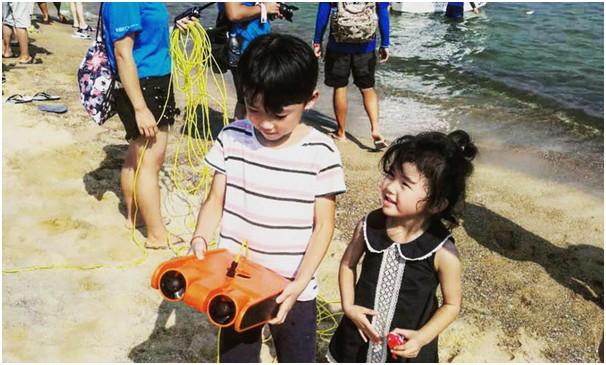 吉影携Poseidon I亮相高交会 打造年轻人玩的起的水下机器人