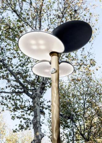 三个云朵一样的灯罩-路灯还能这样玩 创意路灯图集