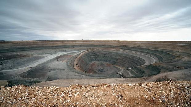 西藏珠峰拟收购境外锂资源公司 正式踏足新能源汽车上游领域