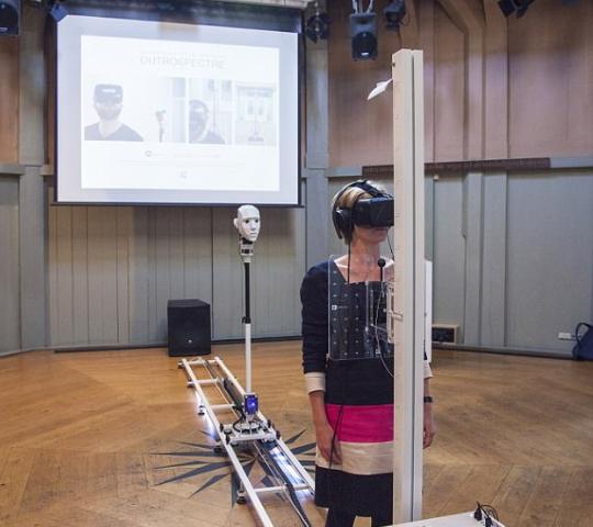 """VR设备让你过把""""死亡""""瘾 克服死亡恐惧"""