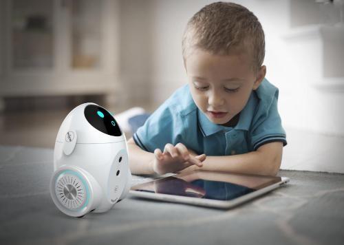 由虐童事件看儿童机器人存在的必要性