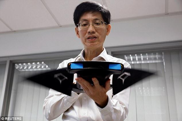 新加坡研发可游泳海底机器人 外形神似魔鬼鱼