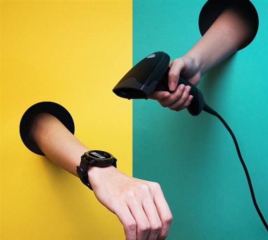 腾讯旗舰级运动智能手表发布:支持QQ微信/一键支付