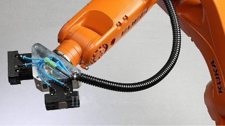 KUKA ready2_grip机器人助力物料搬运:预配置且可靠的应用包