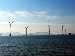 福建南日岛海上风电场首台风电机组顺利并网发电