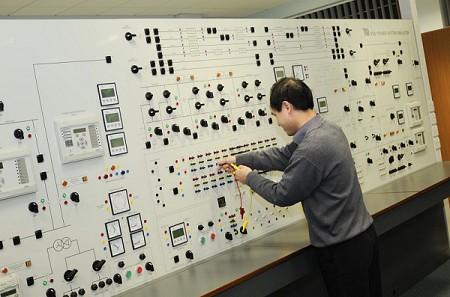 2017年全球电力系统仿真器市场将达55.2亿元