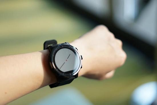 Amazfit智能手表2 运动风和商务范能不能兼得?