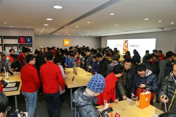 小米租下香港旺铺:建设首家地下门店
