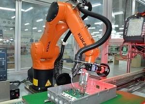 【观察】企业竞相布局机器人市场 一哄而上亟缺战略竞争力
