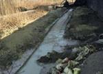 连云港东海黑造纸厂污水流入江苏第二水库 饮用水安全受威胁
