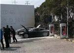 """特斯拉再引""""火"""":超级充电桩和汽车一起自燃"""