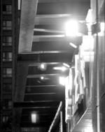 对面楼上灯光太晃眼?你遭光污染了