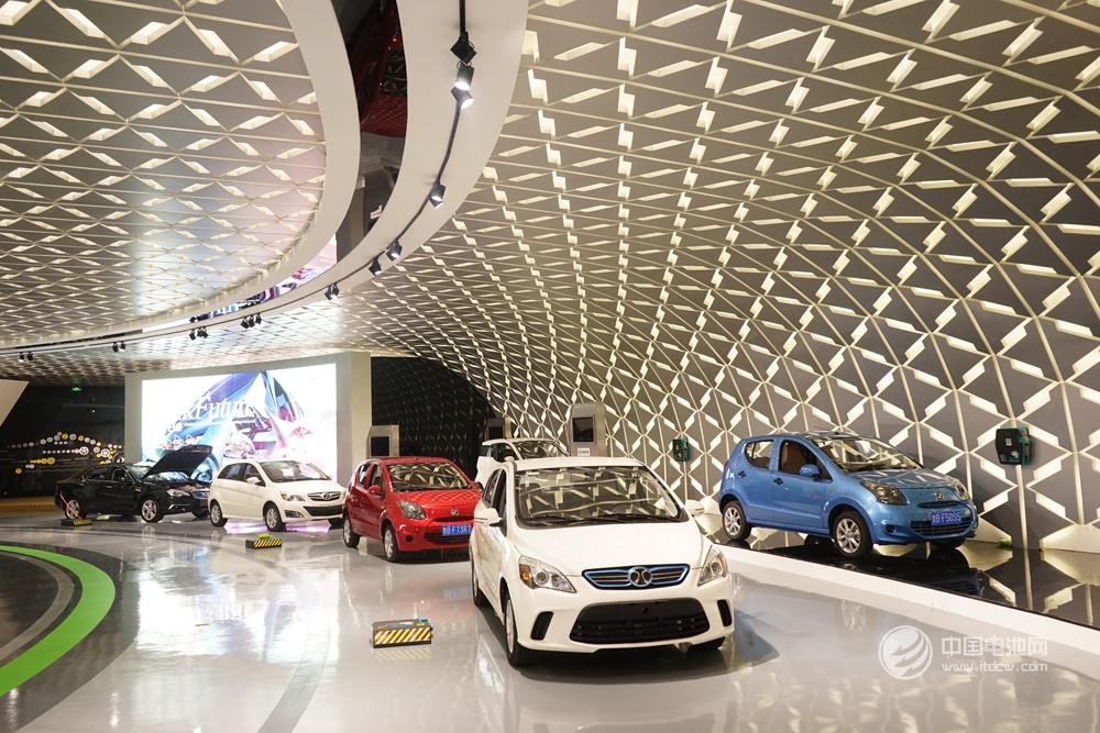 全球车企各自发力布局新能源 2025年销量或达800余万辆