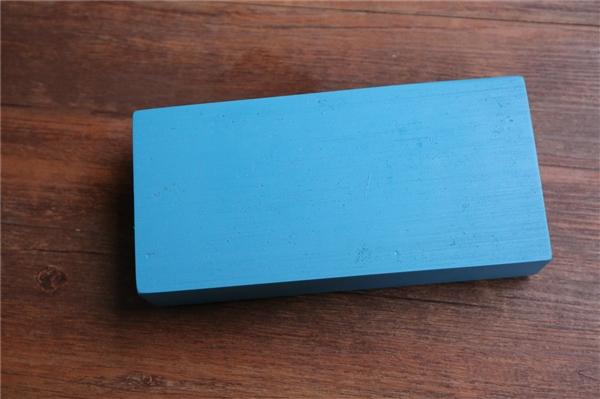 魅蓝S6发布会邀请函实拍图赏:竟是一块砖头!