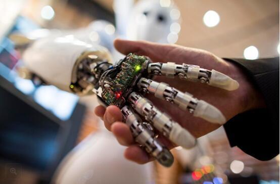 AI和大数据可解决三大世界难题造福人类