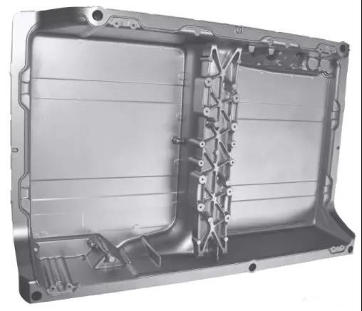 新能源汽车网 汽车电池 正文  下图是bmwx5 xdrive 40e的电池包箱体