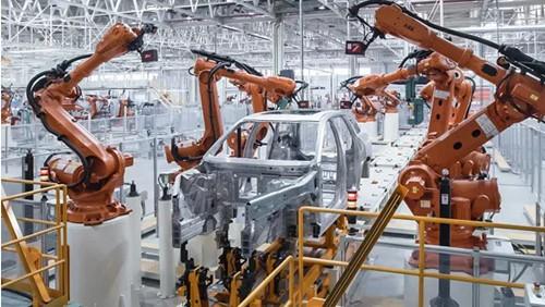 """众多领域常有工业机器人""""身影"""""""